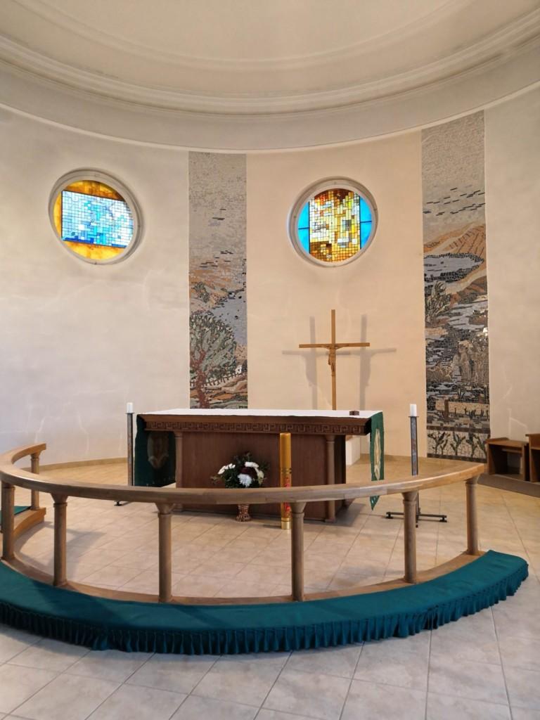 Ikšķiles baznīcas altaris